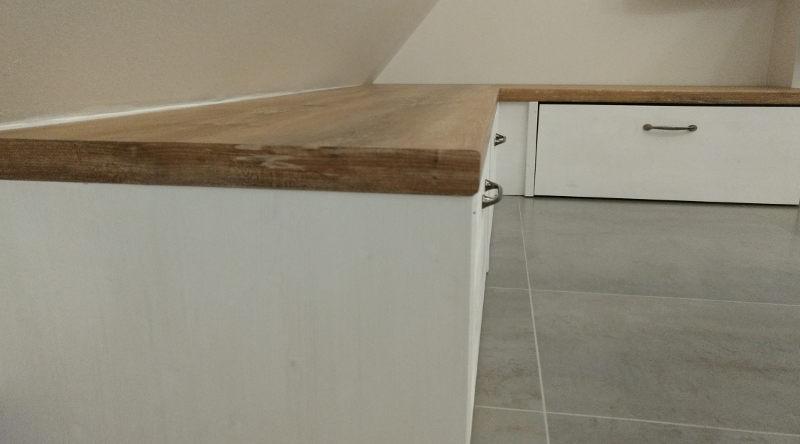 Selbstgebauter Badschrank mit Schubladen