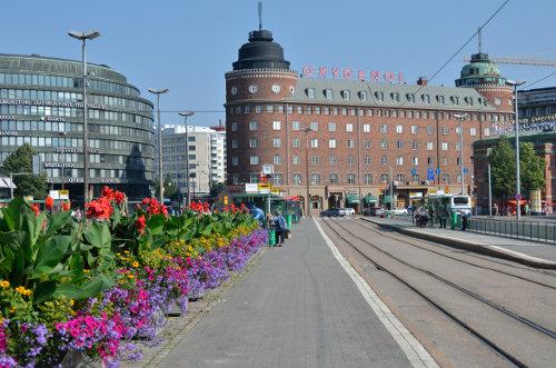 Hakaniemi Platz in Helsinki; teils recht massive Architektur, die manchmal etwas erdrückend wirkt