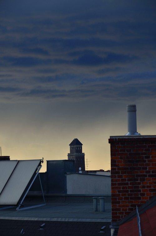 Gewitterwolken über Berlin Moabit; für größere Version Bild anklicken