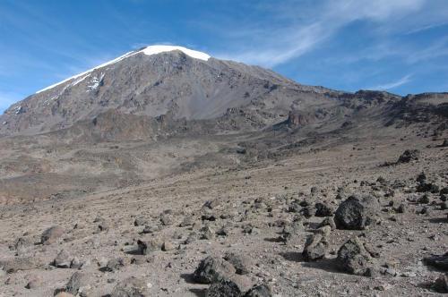 Blick zum Kilimandscharo (Tansania) vom Barafu Camp aus