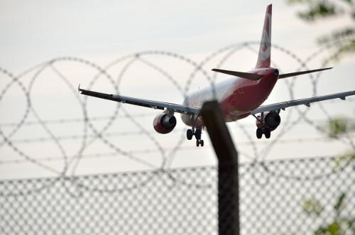Airbus A320 von AirBerlin Anflug auf Tegel (klicken für größer!)
