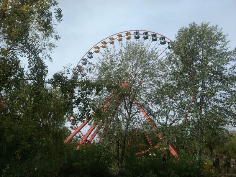 das weithin sichtbare Riesenrad des Spreepark